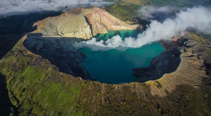 12 Gunung Berapi Terindah di Indonesia